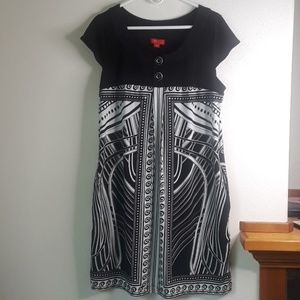 Signature by Sangria black and white plus 16 dress